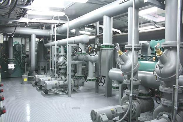 Hệ thống bơm và đường ống nước lạnh